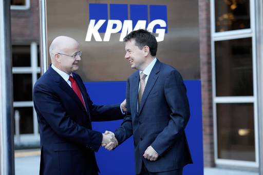 Shaun Murphy, former Managing Partner KPMG in Ireland, with his successor Seamus Hand who will take up the role on May 1 2019.