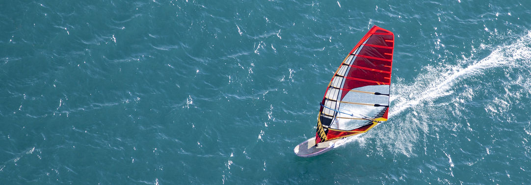KPMG IFRS Newsletter Financial Instruments: red windsurfer