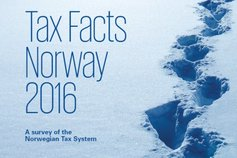Frontcover Tax Facts Norway 2016 - footprints in snow.