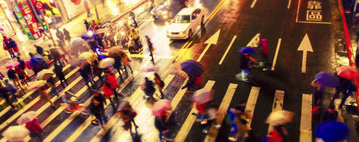 crowded-road-with-people