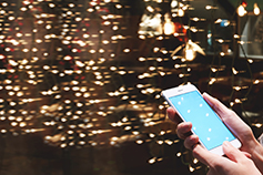 Unlocking the value of 5G for enterprise customers - people-discussing-about-a-document