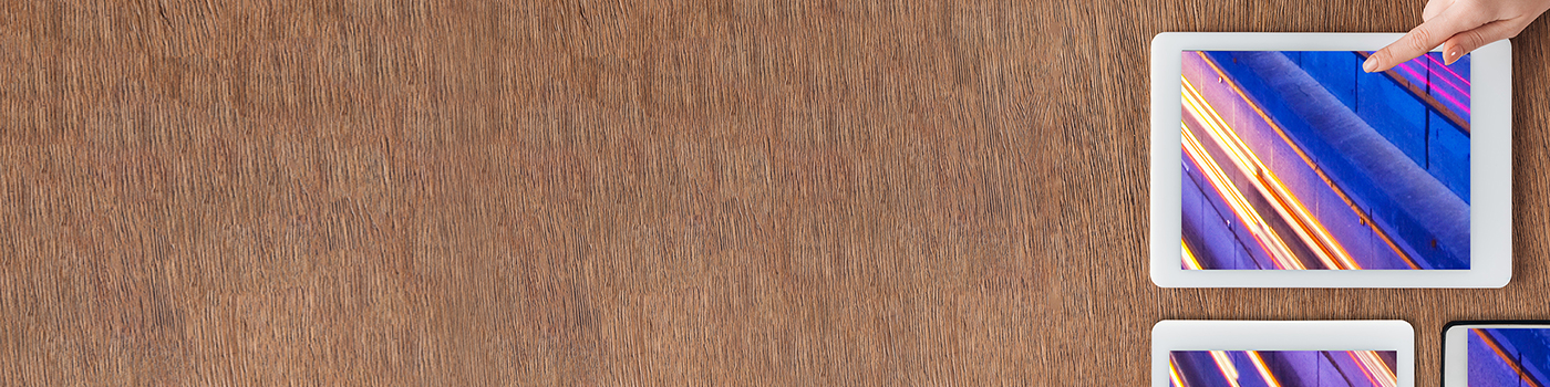 apple-products-with-wooden-background