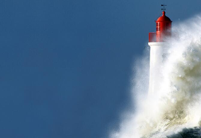 Operational Resilience in Insurance - lighthouse