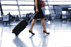 walking-in-airport
