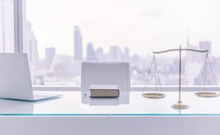 desk company law