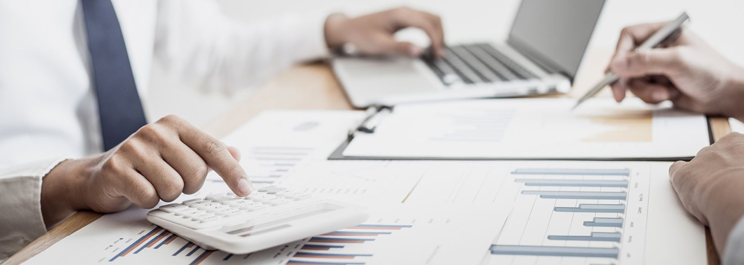 accountant doing tax reporting