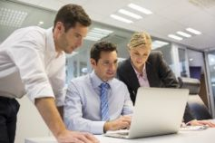 business-people-on-laptop
