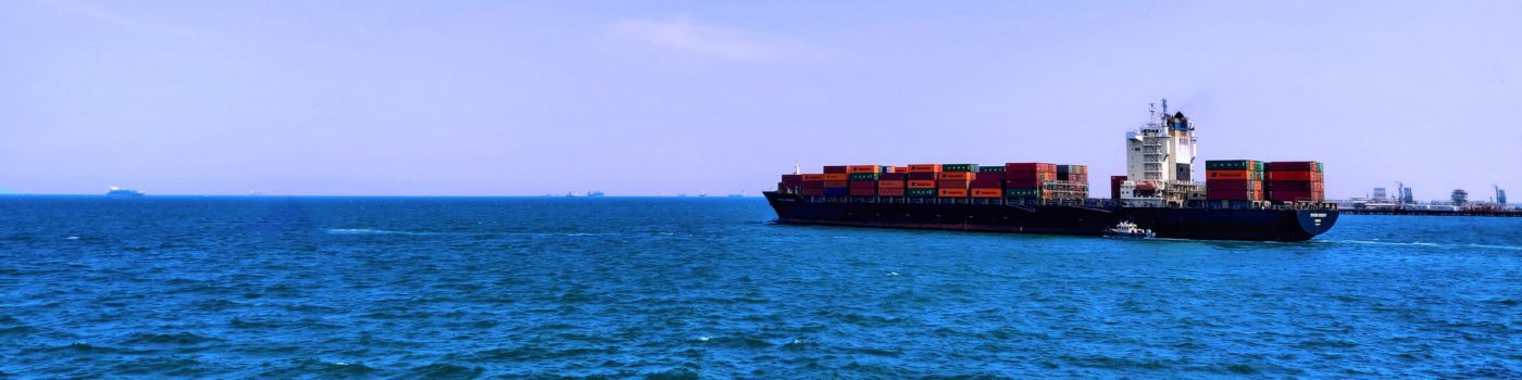container-vessel-at-sea