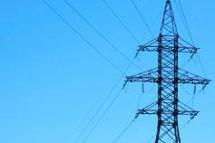 European Commission decision on the GB Capacity Market - electric-antennas-with-blue-sky