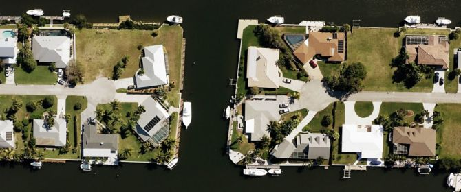 houses on small islands
