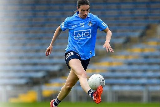Sinéad Aherne playing football
