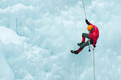 KPMG IFRS | Proposed amendments to IFRS 4 Insurance Contracts article image | Abseiler rappelling down an ice wall