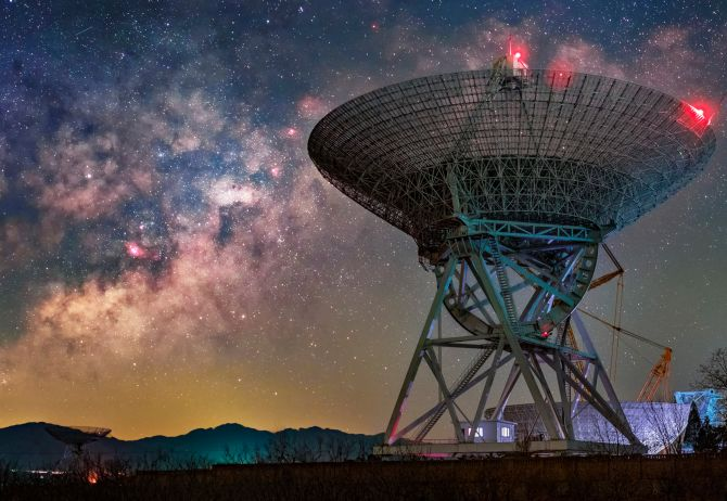 Large antenna against a starry background