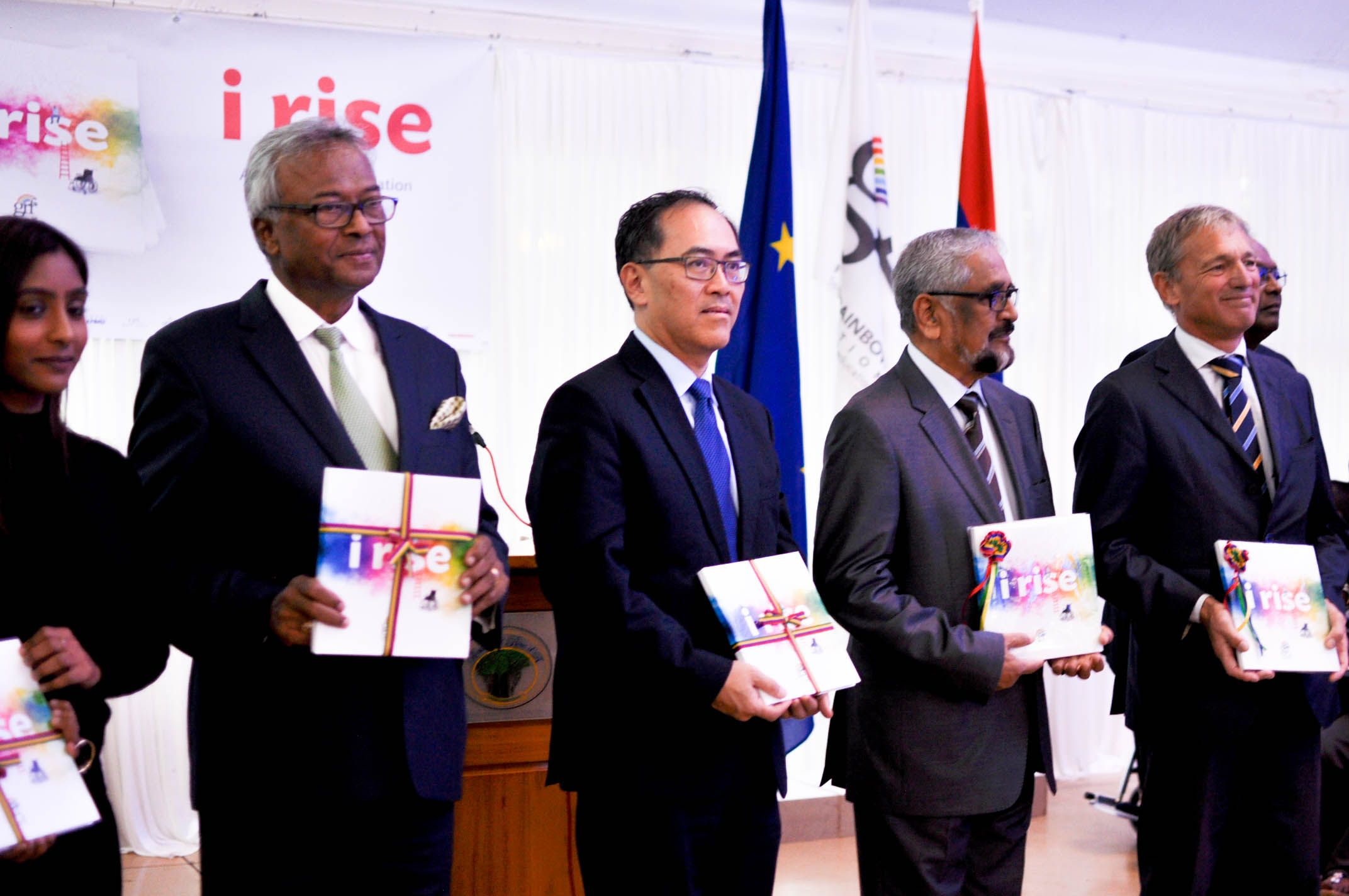 """Launch of the book """"i rise"""""""