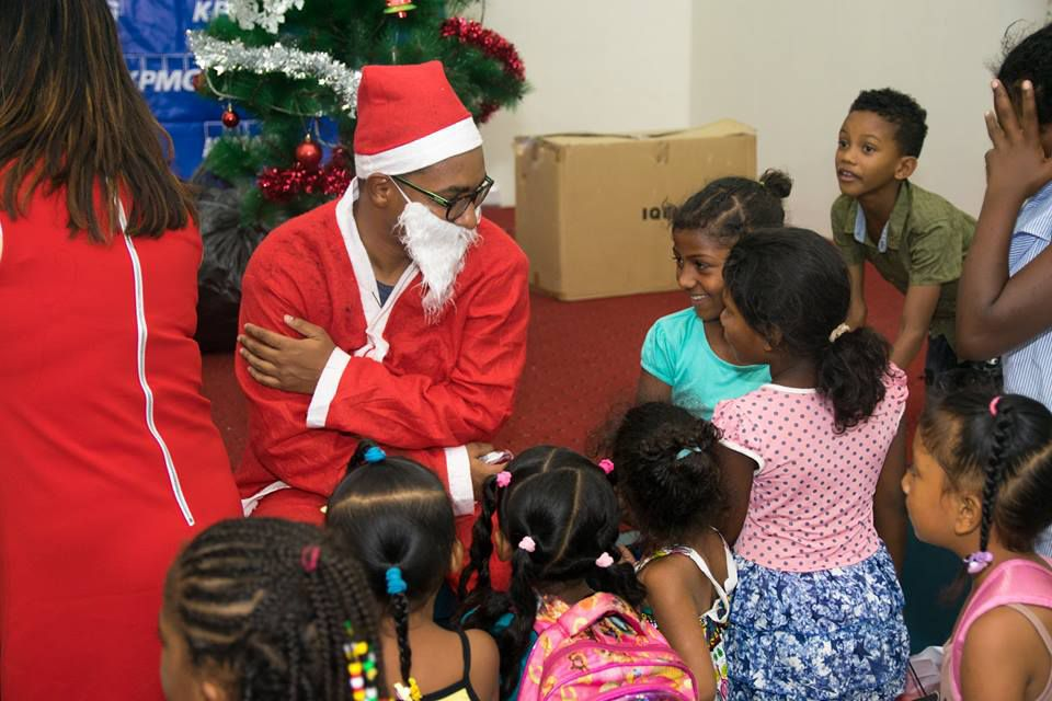 Charity Christmas Lunch for SAFIRE kids