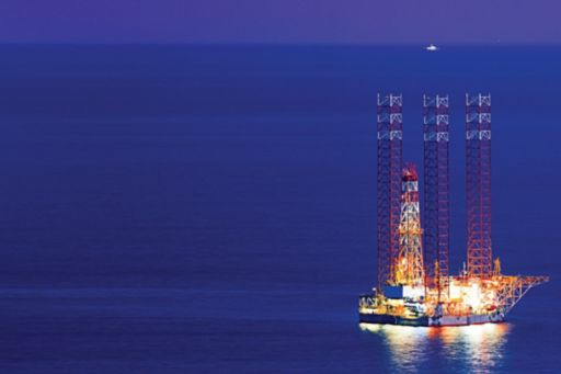 offshore-oil-rig-night-time
