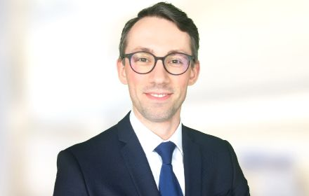 Senior Associate in the law firm D. Dobkowski associated with KPMG