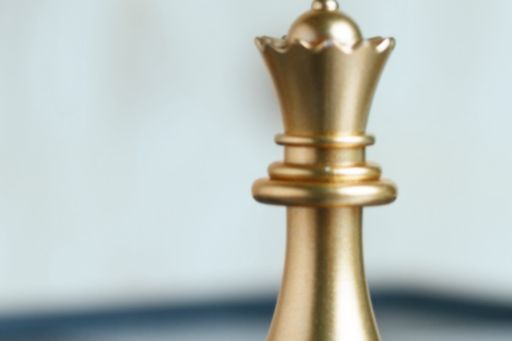 """Hetman - Chess piece 
