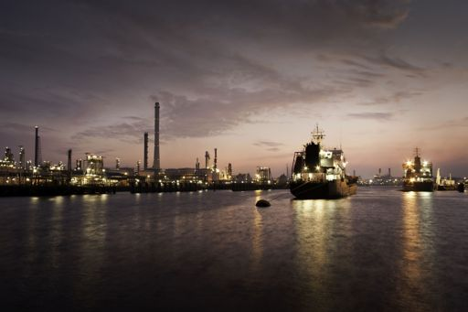 Floating liquefied natural gas harbor