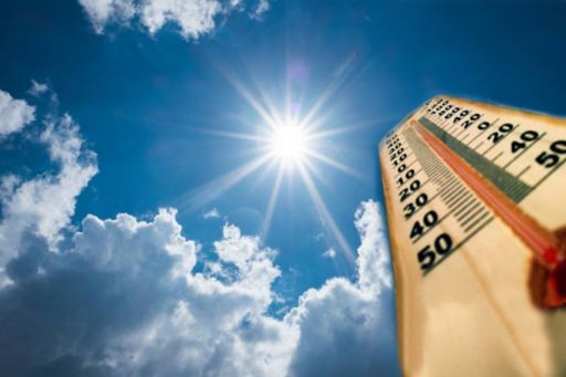 Thermometer sun high degrees hot summer day high summer temperatures